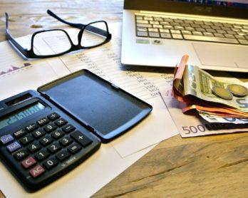 Jak wystawić fakturę VAT prowadząc działalność nieewidencjonowaną?